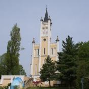 Kirche mit Ei